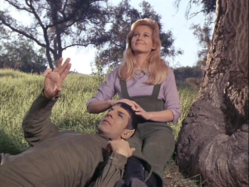 800px-Spock_and_Leila_Kalomi